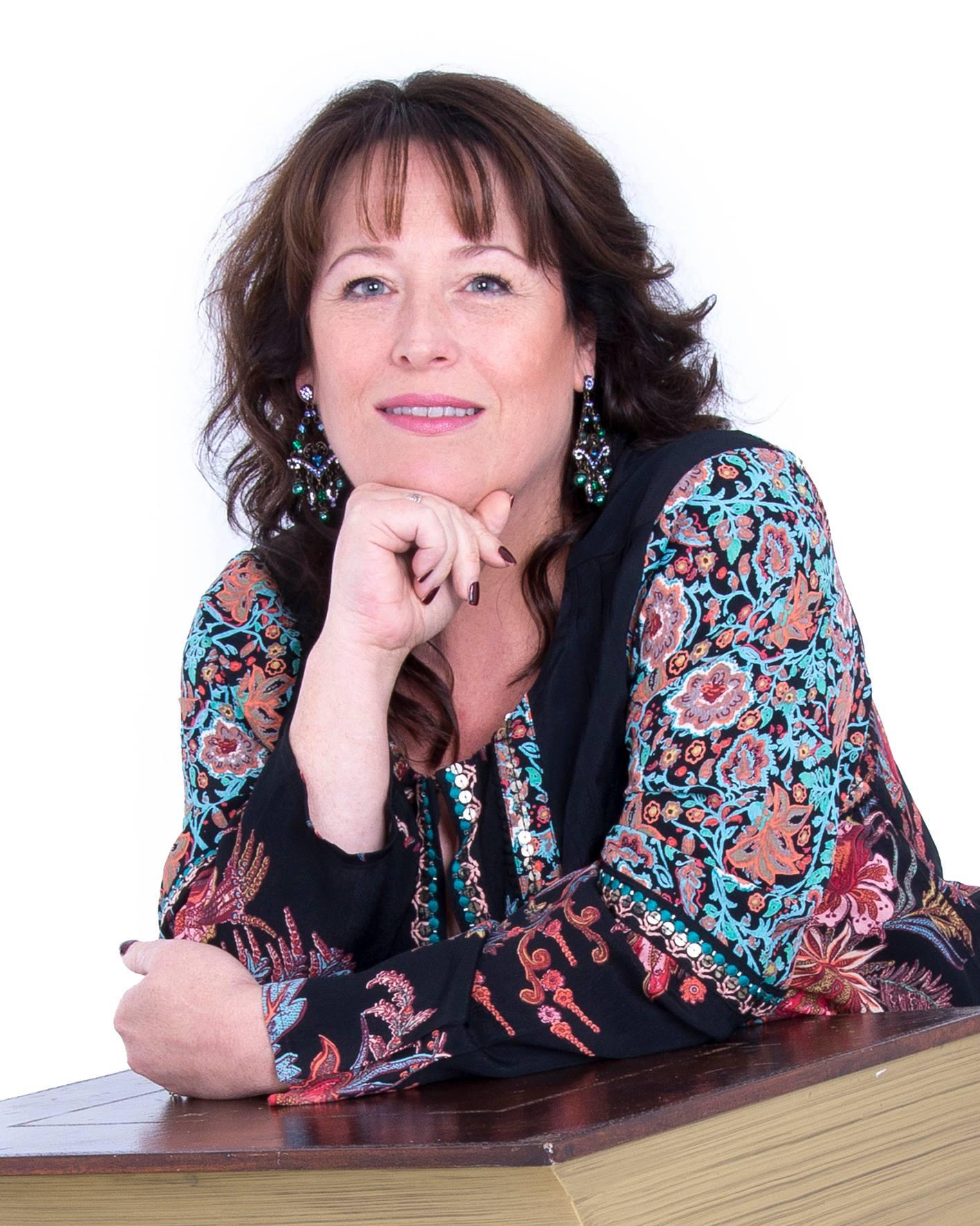 Psychic Spiritualist Medium Fiona, Psychic Fiona northern ireland,
