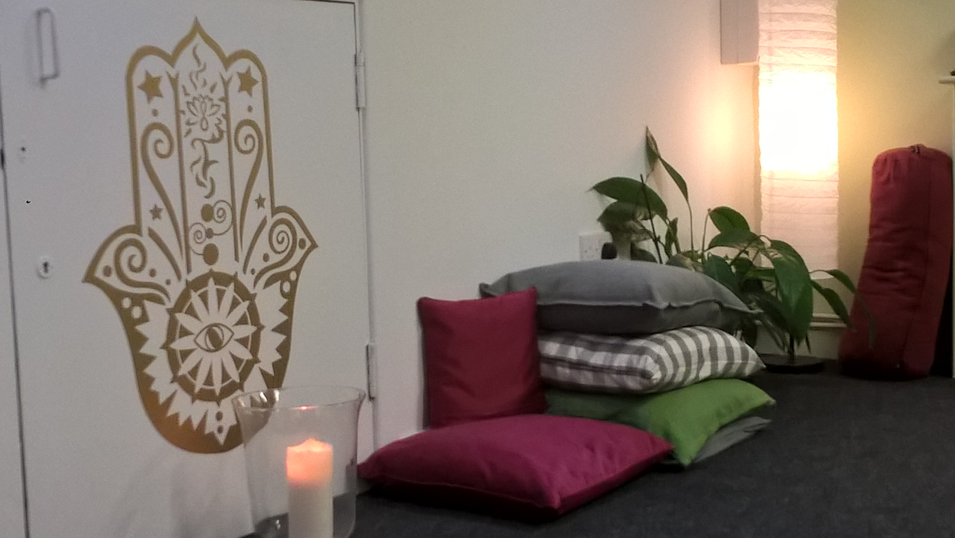 Hamsa Yoga Room Holywood